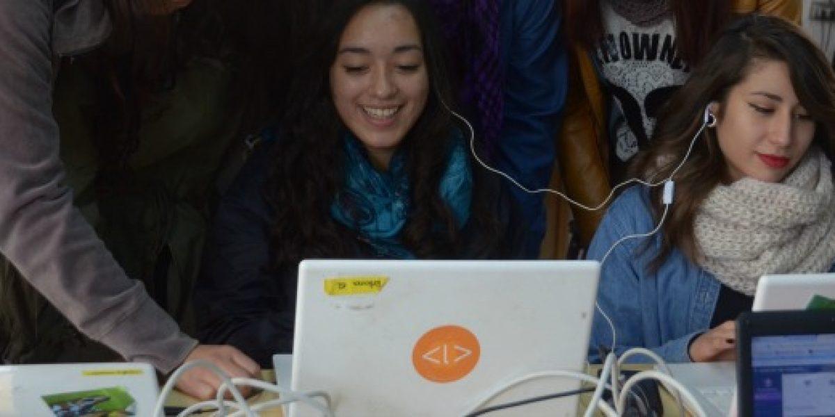 Mundo tecnológico: mujeres ya pueden postular y ser parte del desarrollo digital