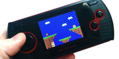 Si prefieres jugar con portátiles, hay emuladores tipo MP5 que permiten reproducir juegos de Gameboy, Snes y varias plataformas en un solo dispositivo. Foto:E-Gaming. Imagen Por: