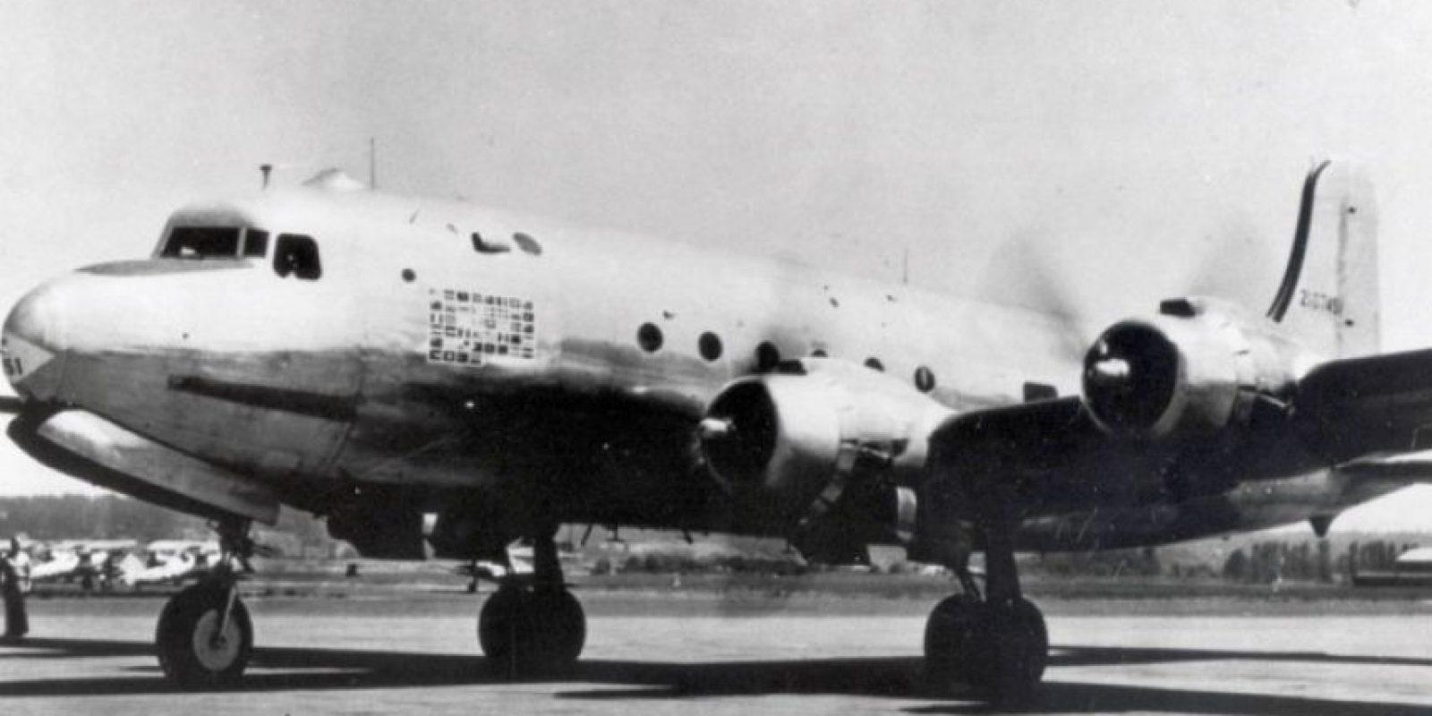 """El Douglas C-54C Skymaster, conocido como la """"vaca sagrada"""" fue el primero en ser equipado especialmente para el presidente. Tenia una cama Foto:Boeing. Imagen Por:"""
