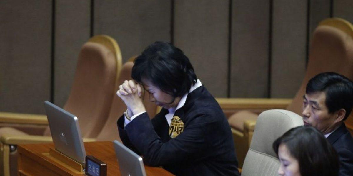 Parlamento surcoreano destituye a la presidenta en una sesión histórica