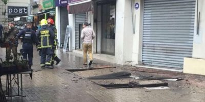 Reportan explosión frente a local comercial en la comuna de Providencia