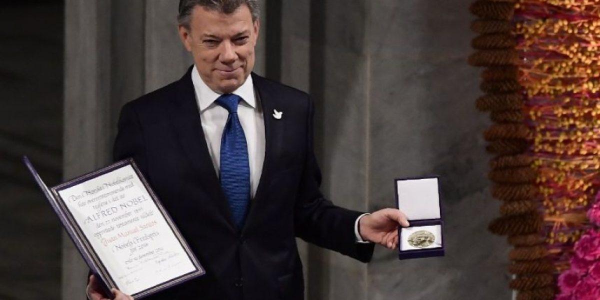 El presidente colombiano Juan Manuel Santos recibe el Nobel de la Paz