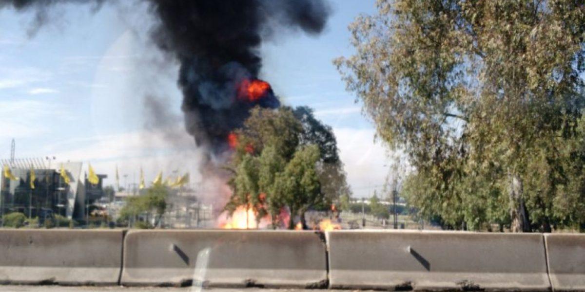 Cilindros de gas explotan al volcar camión que los transportaba en la Ruta 68