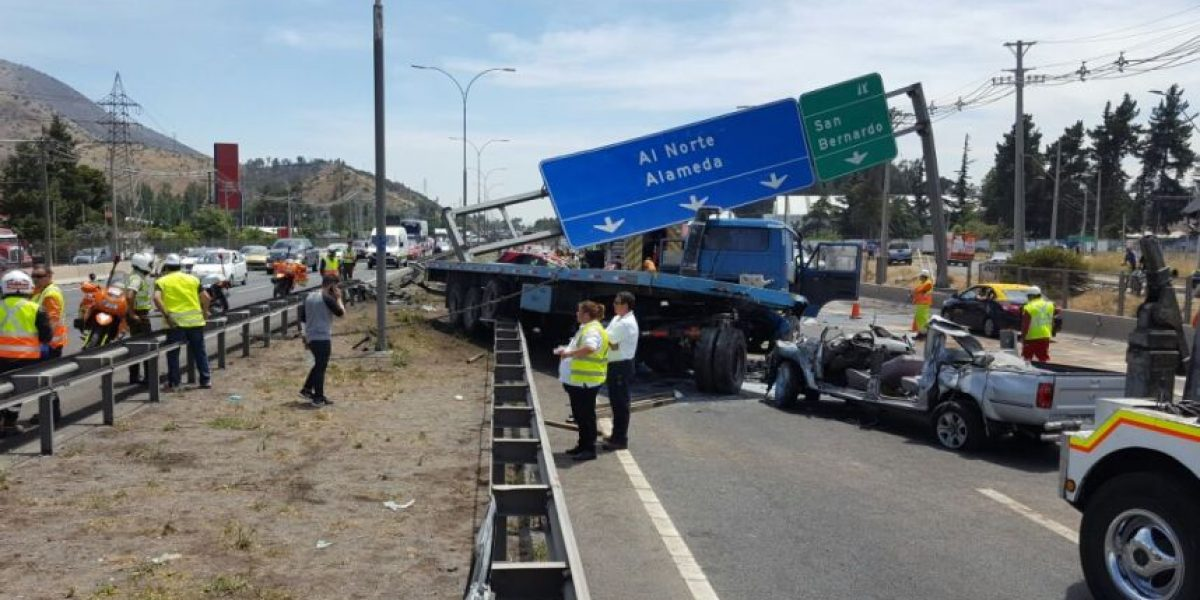 Accidente en San Bernardo provocó taco de 10 kilómetros en la Ruta 5 Sur