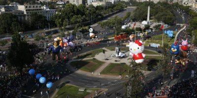 "Así se daba inicio a ""Paris Parade"" 2016, desde Plaza Italia. Foto:Aton. Imagen Por:"