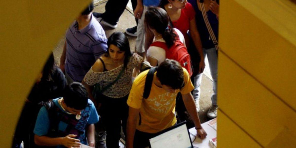 Alumnos de colegios municipales son los que más dejan las carreras de educación superior al primer año