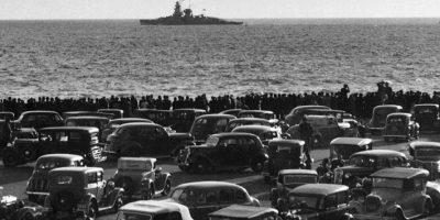 Una escena previa al hundimiento del Almirante Graf Spee, donde se aprecia la expectación que generó. Foto:AFP. Imagen Por: