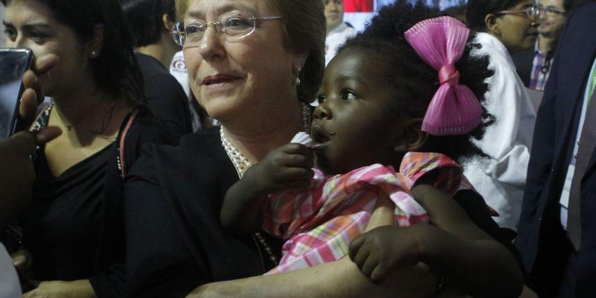 Bachelet llama a