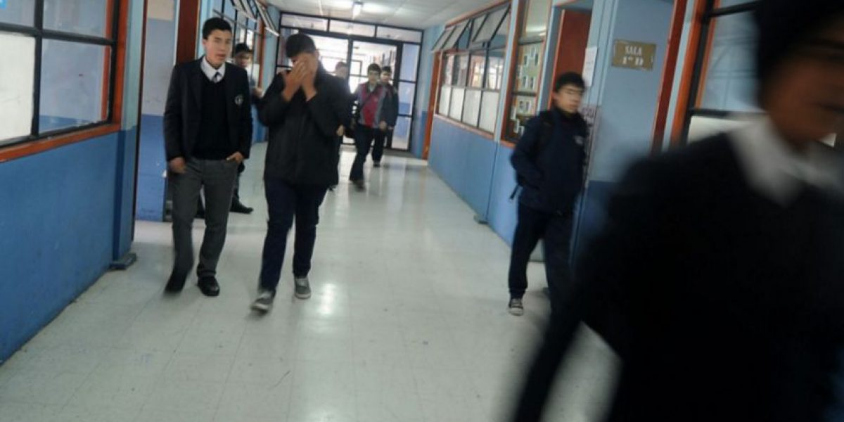 Profesores y apoderados critican la idea de limitar la repitencia escolar
