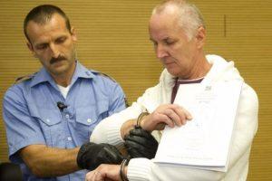 """El """"caníbal"""" en una de sus idas a tribunales. Foto:AFP. Imagen Por:"""