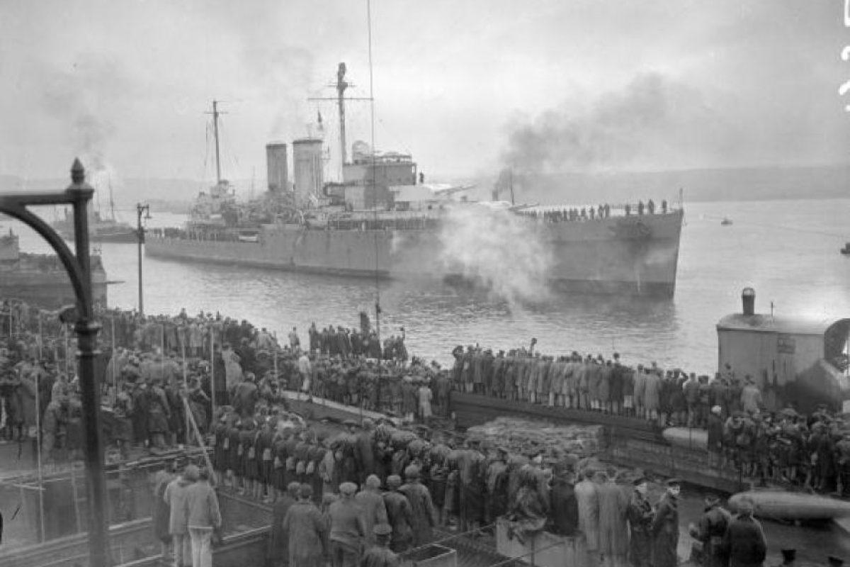 El crucero pesado británico, HMS Exeter, uno de los navíos que se enfrentó al buque nazi al frente de Punta del Este. Foto:Getty Images. Imagen Por: