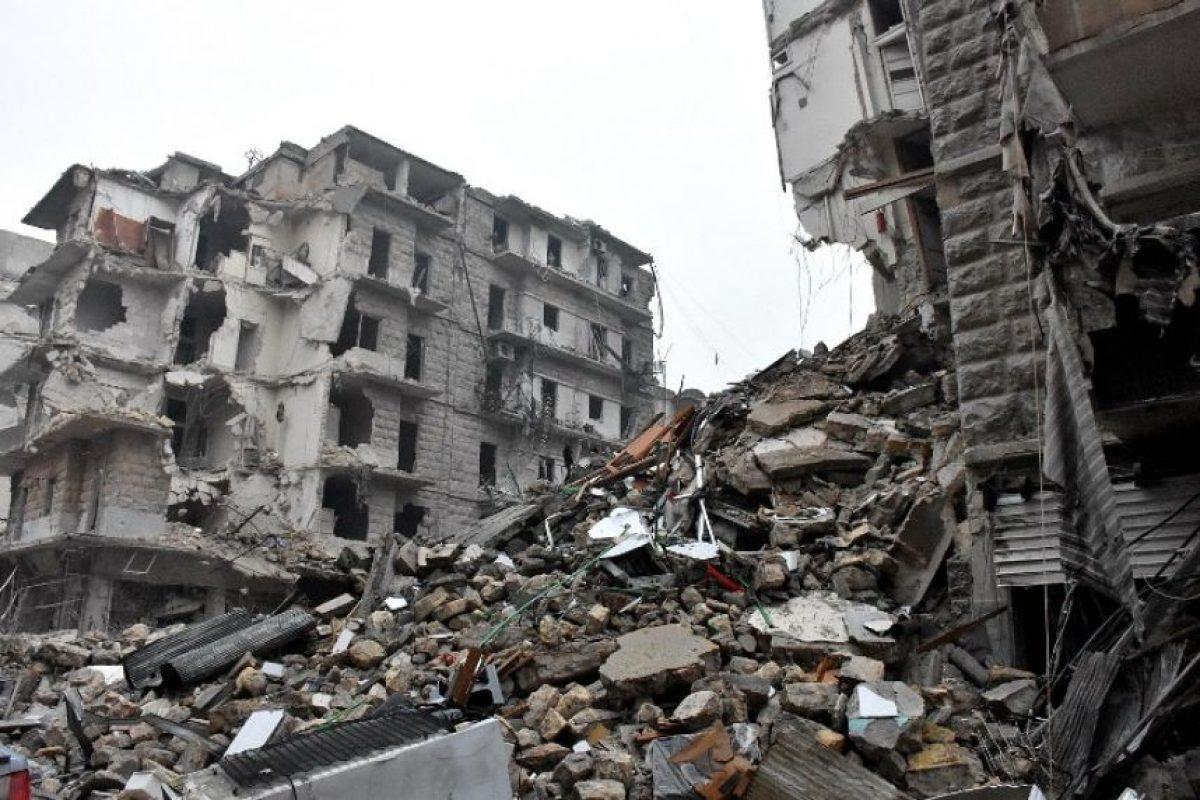 """El acuerdo que prevé la evacuación de civiles e insurgentes de la ciudad de Alepo fue """"suspendido"""" tras objeciones del régimen sirio, indicó a la AFP un responsable rebelde y una fuente próxima del gobierno. Foto:Afp. Imagen Por:"""