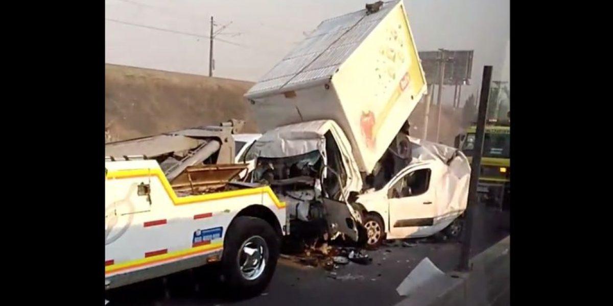 Grave accidente se registra en Ruta 5 y deja a cuatro personas lesionadas