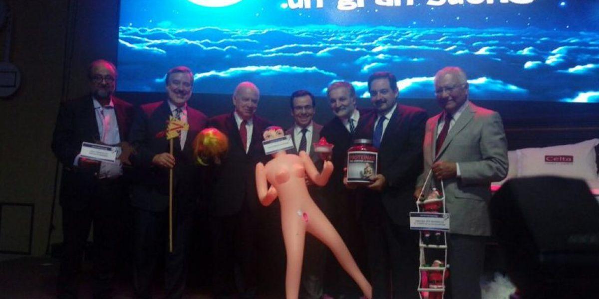 Bachelet y polémica por muñeca inflable: