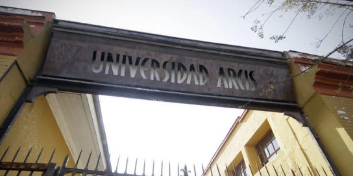 Crean comisión investigadora por la crisis de la Universidad Arcis