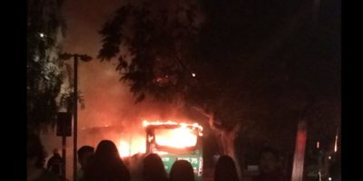 Incendian bus del Transantiago en Villa Francia