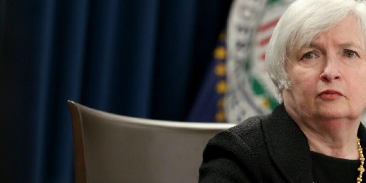 La Fed sube los tipos de interés en EE.UU. y prevé tres alzas en 2017