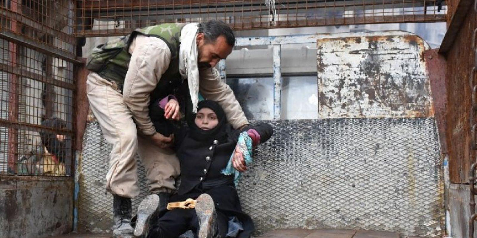 Tras varias horas de negociaciones, que culminaron a las 01H00 GMT, un alto responsable militar sirio anunció la firma de un nuevo acuerdo de evacuación. Foto:Afp. Imagen Por: