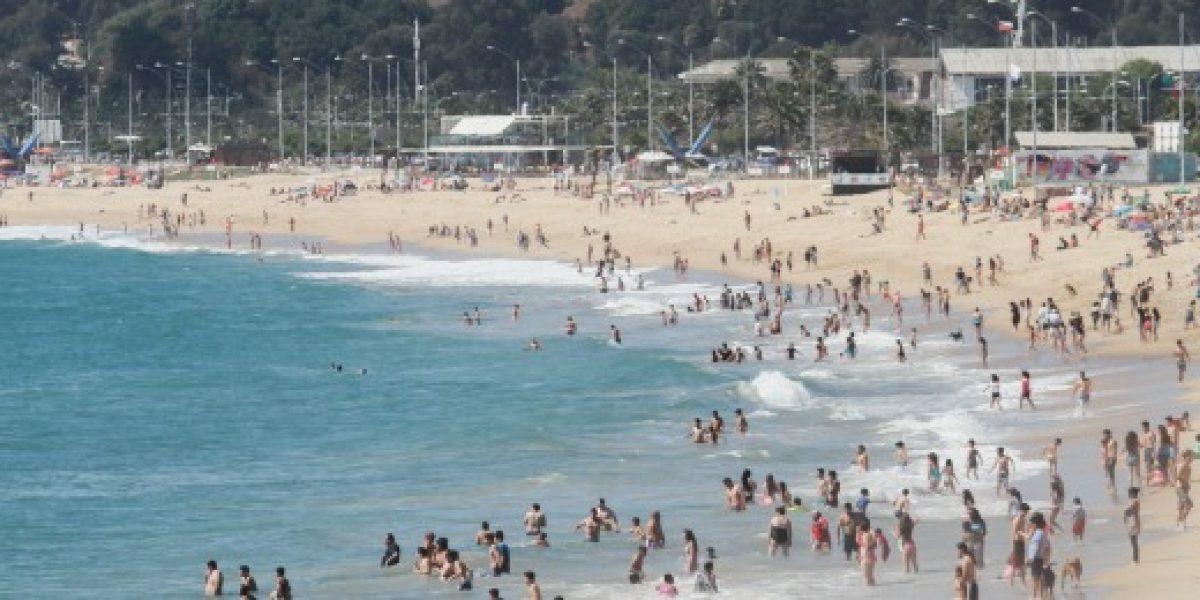 Chilenos están dispuestos a pagar hasta un 37% más en temporada de verano