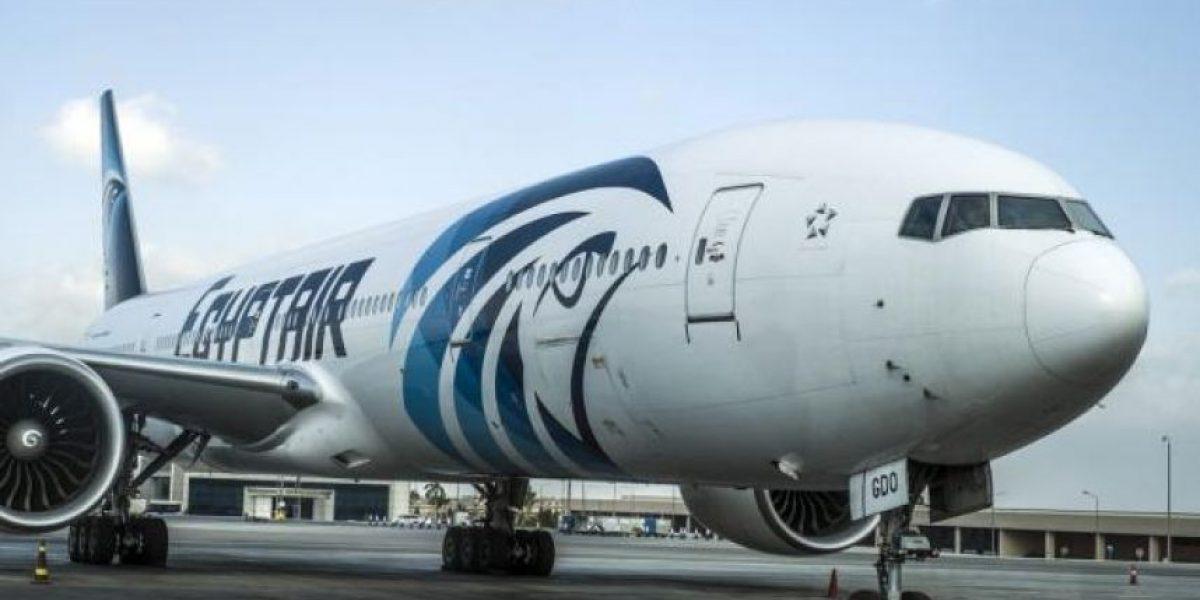 Hallan rastros de explosivos en víctimas de vuelo EgyptAir entre París y El Cairo