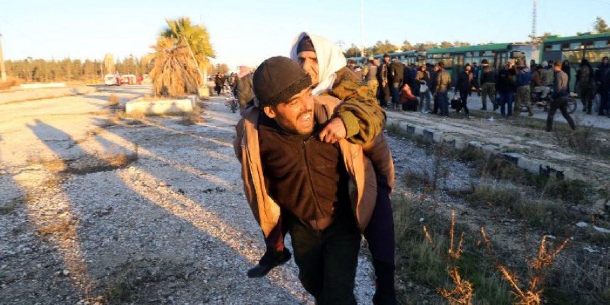 Suspenden la evacuación de personas del este de Alepo tras explosiones