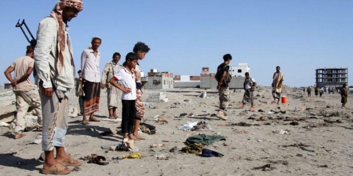 Al menos 49 soldados mueren en un ataque suicida en Yemen
