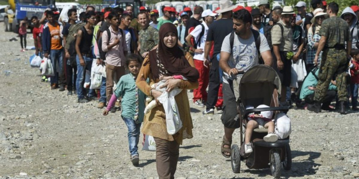 Rescatan a 67 refugiados a punto de morir asfixiados en furgón en Croacia: llevaban 5 días sin comer