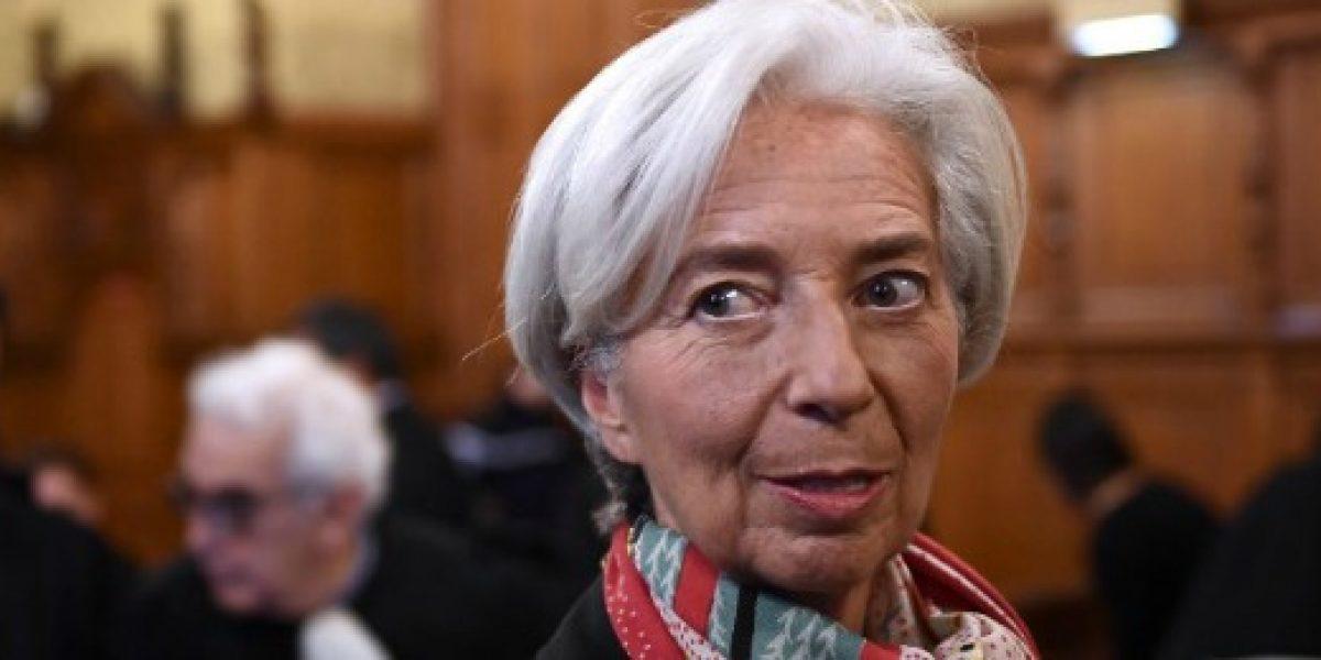 Condenan en Francia a directora del FMI por negligencia cuando fue ministra