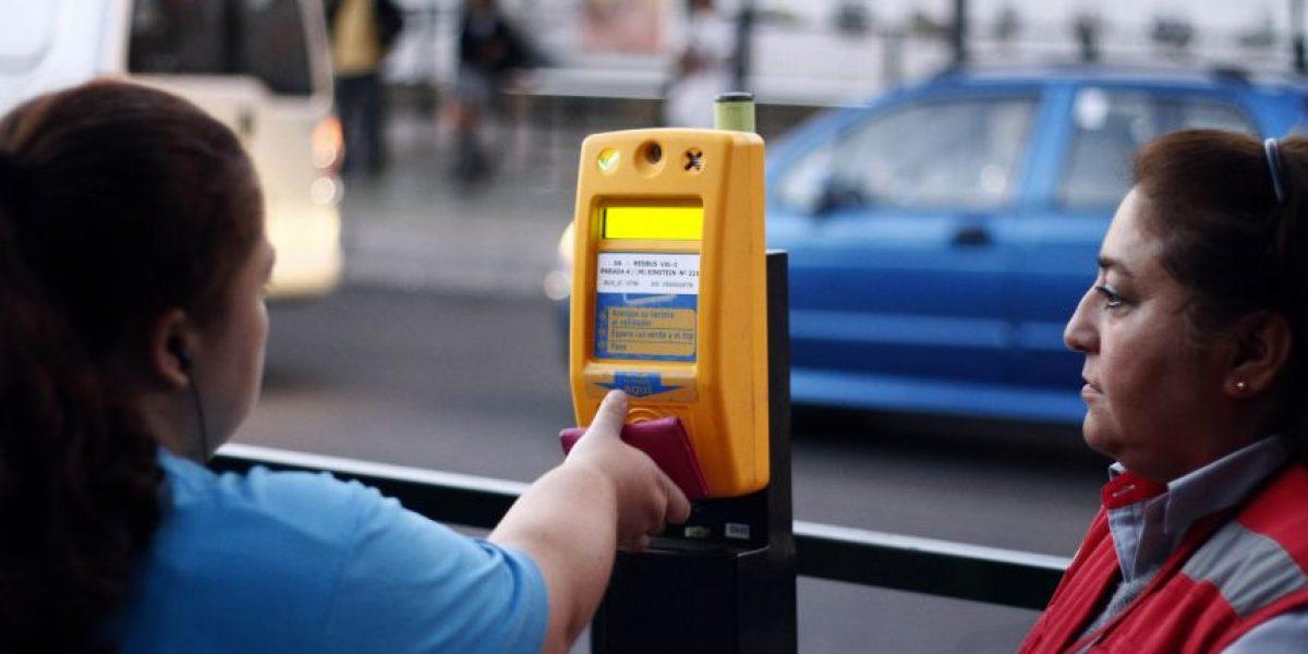 Transantiago: usuarios podrán cargar tarjeta Bip! en bencineras y sin monto mínimo