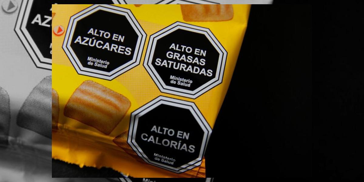 Campaña contra etiquetado: Colegio de Nutricionistas acusó boicot de AB Chile