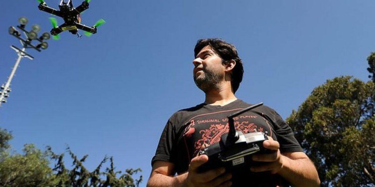 Usach lanza inédito diplomado para ser operador de drones