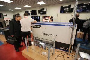 En el mercado, puedes encontrar televisores LED de 32″ con precios desde los 100.000 pesos o a veces menos. El precio aumentará dependiendo de las funciones o pulgadas extra. Foto:Getty. Imagen Por: