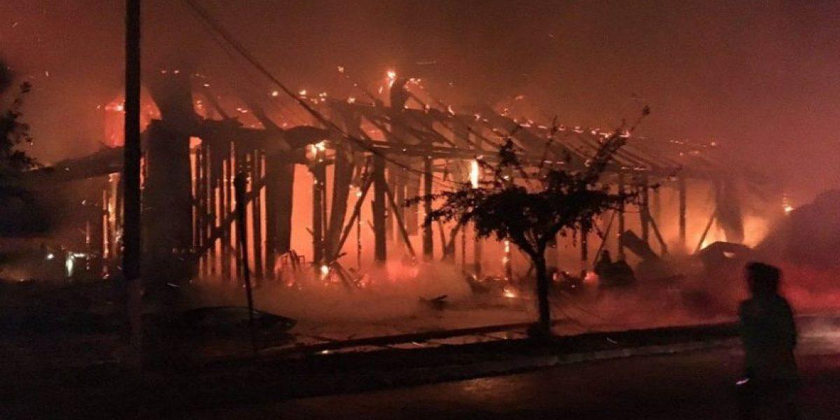 Incendio destruye iglesia en la comuna de Ercilla