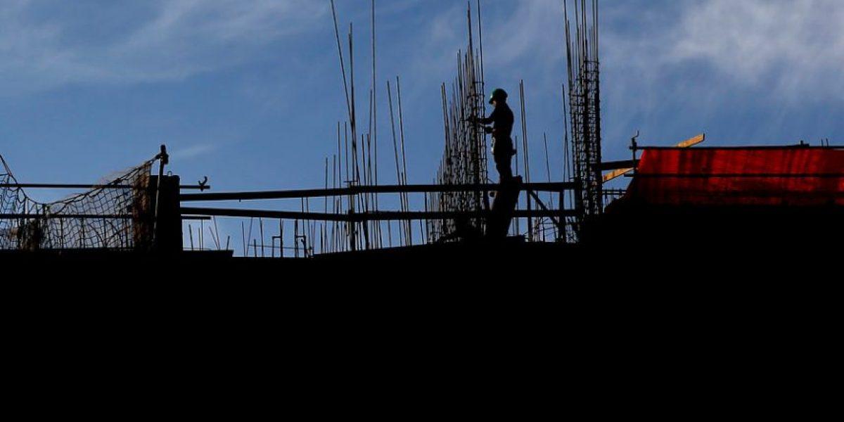Las Condes: arquitecto fallece tras caer desde piso 21 de edificio en construcción