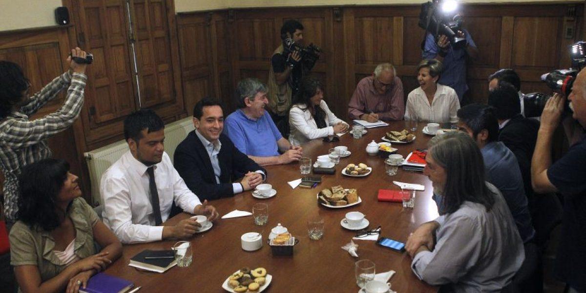 PS y PPD se reúnen para definir lineamientos de cara a elecciones presidenciales