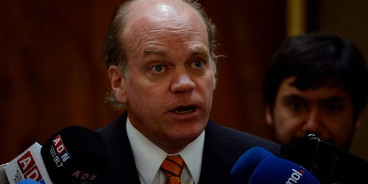 Tribunal rechaza solicitud de sobreseimiento de senador Walker en causa por cohecho