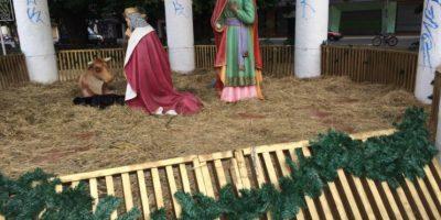 Esta no es la primera vez que el arreglo es atacado. El 2015 varias de las figuras también terminaron en el agua y la imagen del niño Jesús sustraída. Foto:Reproducción@FelipeRomanD. Imagen Por: