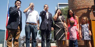 Alcalde Alessandri encabeza brindis por aniversario 476 de Santiago