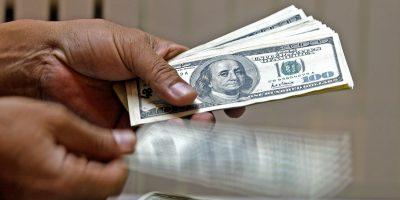 ARGENTINA: El dólar sigue en el tobogán: cae 3 centavos a $ 15,70