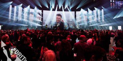 Brit Awards: Chris Martin cantó