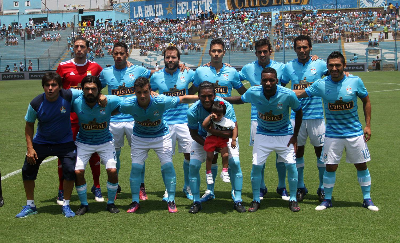 Viana es titular indiscutido / Facebook Sporting Cristal