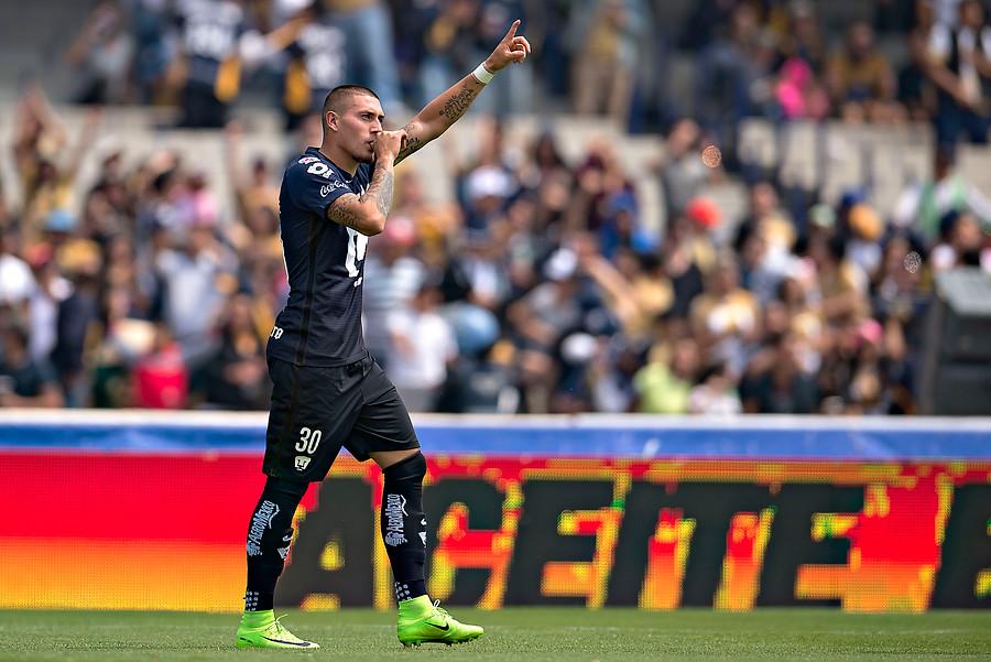 Castillo celebrando un gol / Photosport