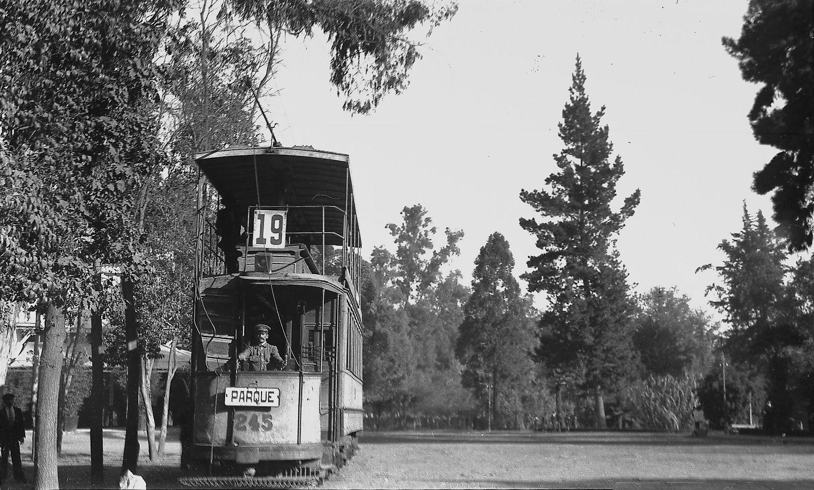 Terminal de tranvías en el Parque Cousiño, (actual Parque O