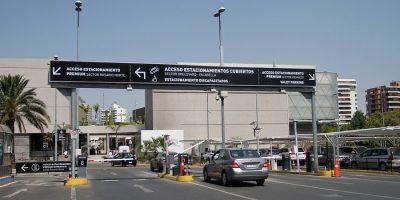 Parque Arauco anuncia cambio de tarifas en estacionamientos ante confusión de clientes