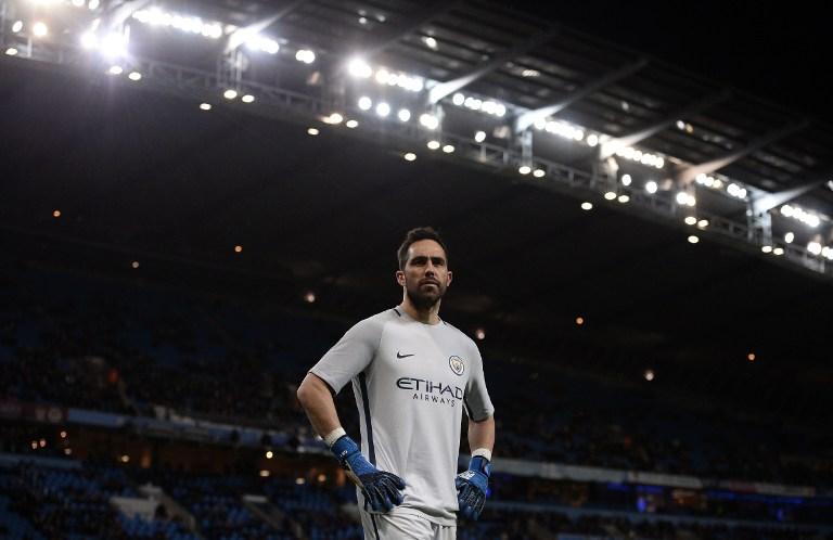 Claudio Bravo ha jugado sólo tres partidos en los últimos dos meses / AFP