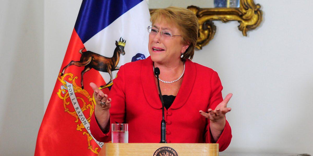 Resultado de imagen de Bachelet robaron uno