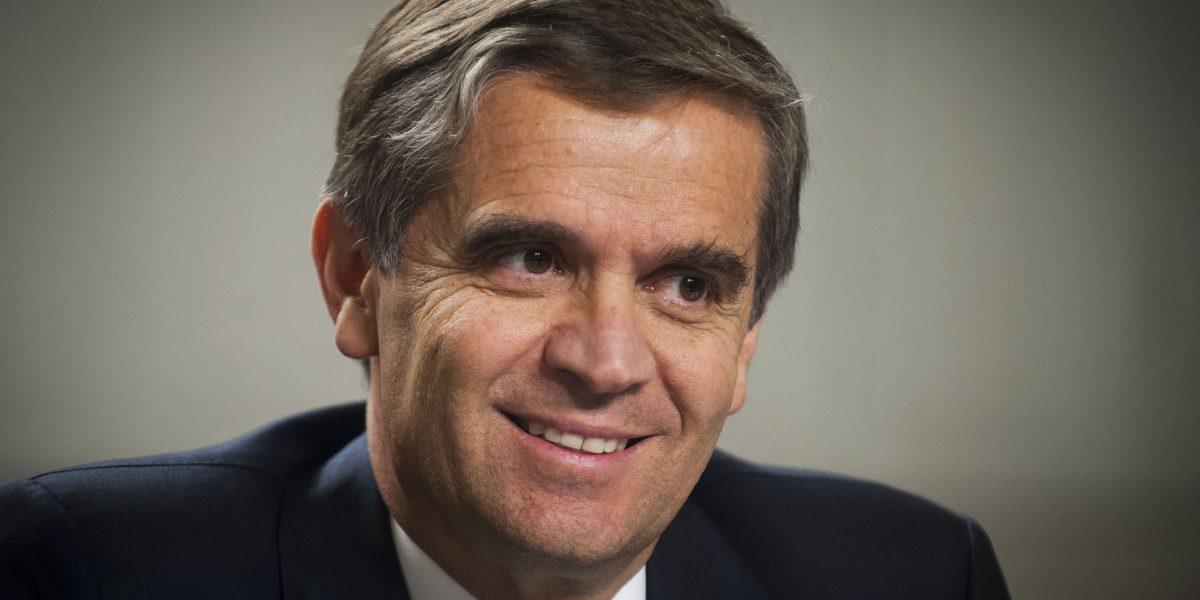Pugna entre economistas: Rodrigo Vergara responde críticas de Engel y Repetto