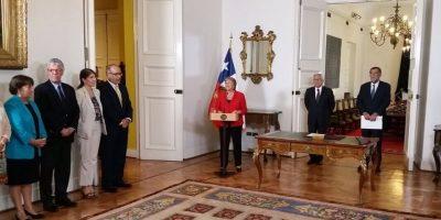 Ministro de Medio Ambiente Pablo Badenier presenta renuncia — Ajuste de gabinete