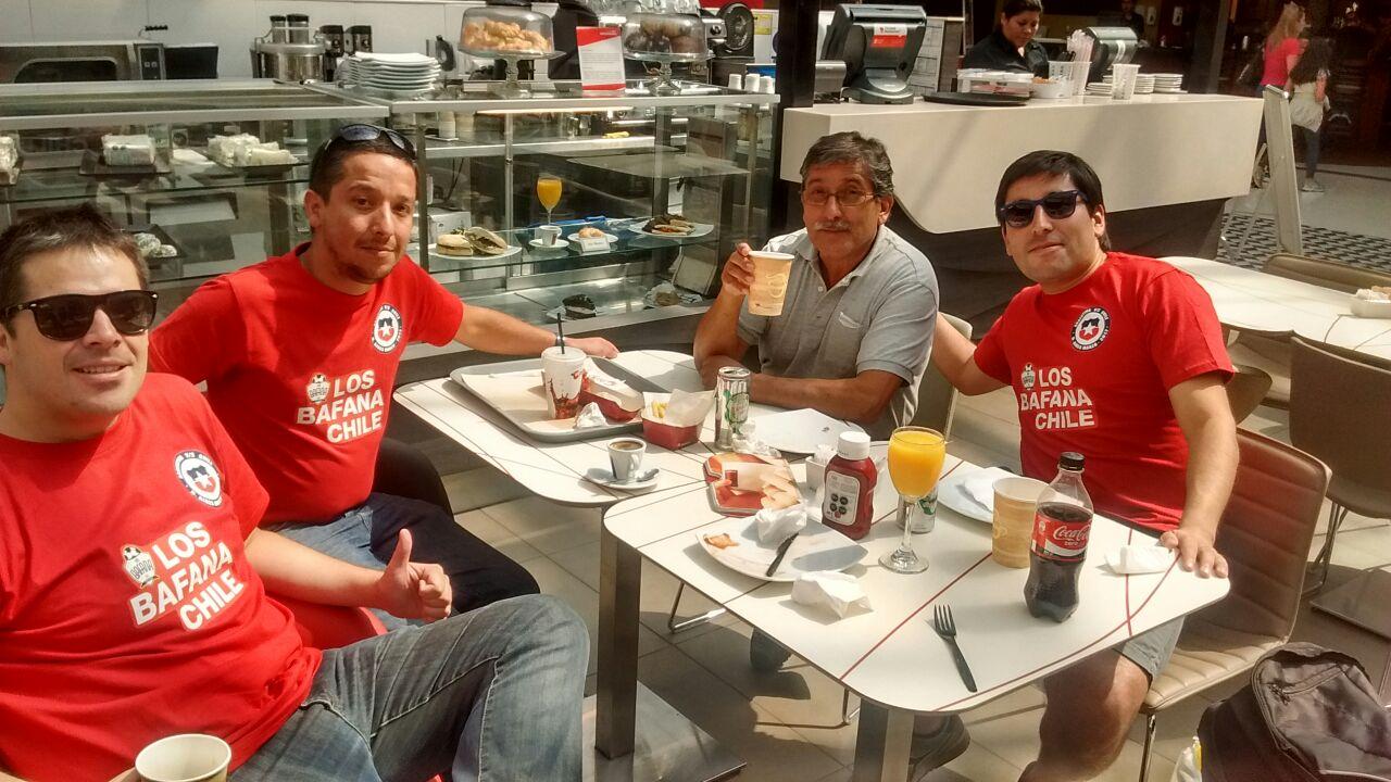 Los hinchas chilenos ya están instalados en Buenos Aires / imagen: Javier Rios