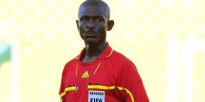 FIFA inhabilita de por vida a árbitro ghanés que influyó en resultado de Sudáfrica-Senegal